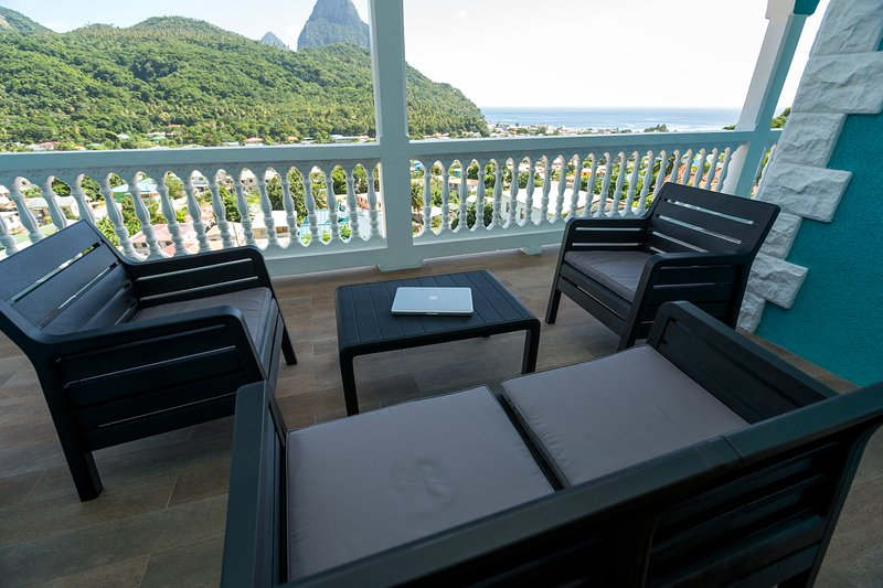 SAPPHIRE APARTMENT 2, ST. LUCIA - $1M VIEWS; GREAT LOCATION, SOUFRIERE, alquiler de vacaciones en Sta. Lucía