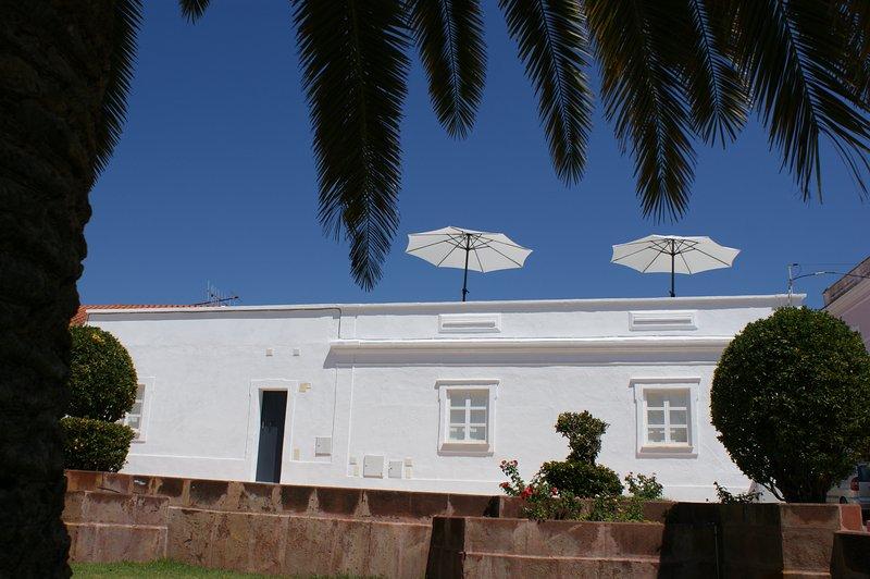 Casa do Largo Silves, Pearl of the Algarve. – semesterbostad i Silves