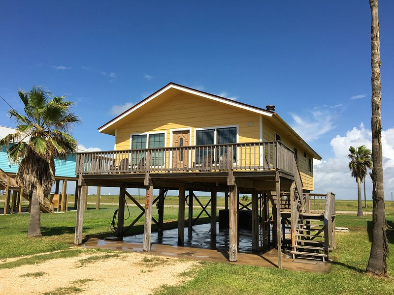 Deuxième rangée, maison de plage moderne du milieu du siècle, trois chambres, peut accueillir jusqu'à 12