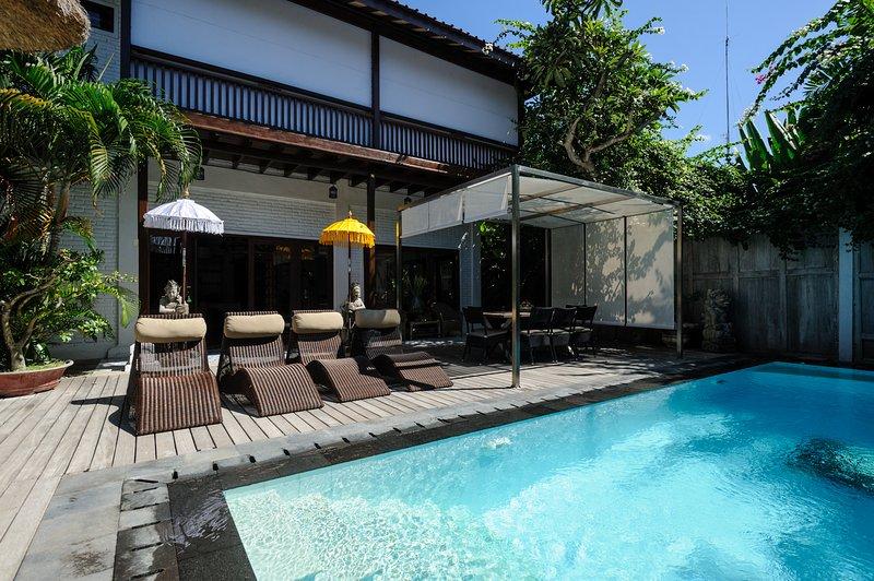 Pool side: private pool L8m10 x 3m30 x H1m50