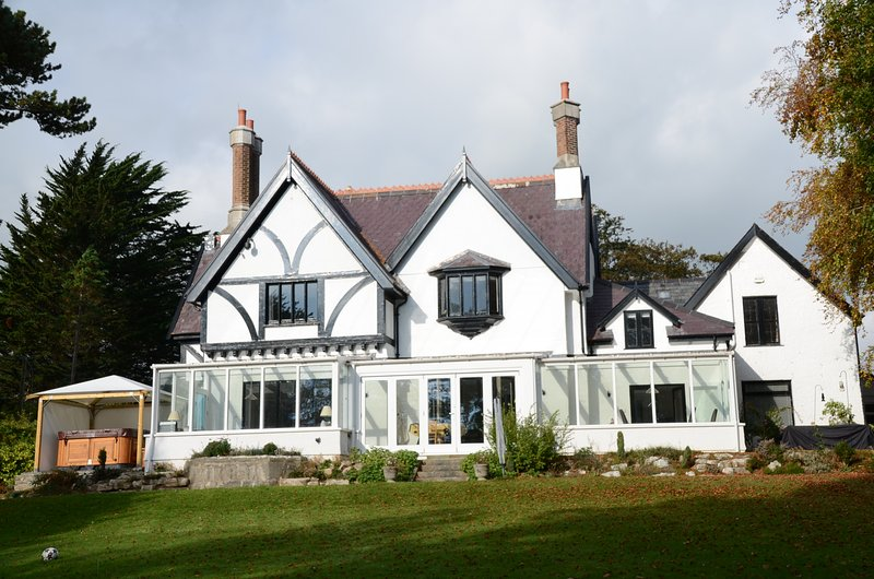 Stunning Family Holiday Retreat, location de vacances à Penmon