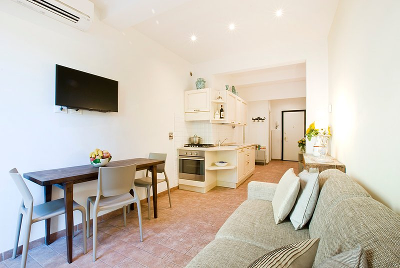 Casa San Giovanni, Romantic Hideaway Close to Santa Maria Novella, vacation rental in Florence