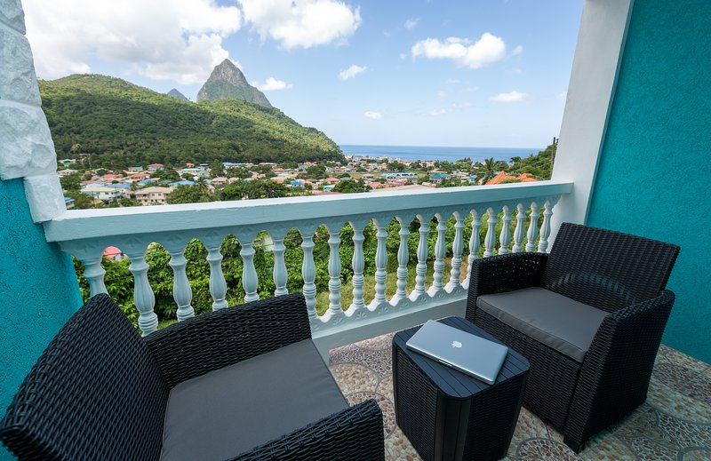 SAPPHIRE APARTMENT 4, ST. LUCIA - $1M VIEWS; GREAT LOCATION, SOUFRIERE, alquiler de vacaciones en Sta. Lucía