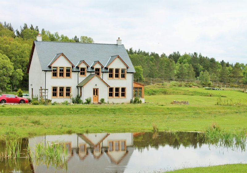 Ach na Sidhe B&B-Double Room with private bathroom, holiday rental in Loch Ness