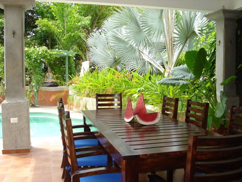 Beautiful Beach Home, holiday rental in Santa Tecla