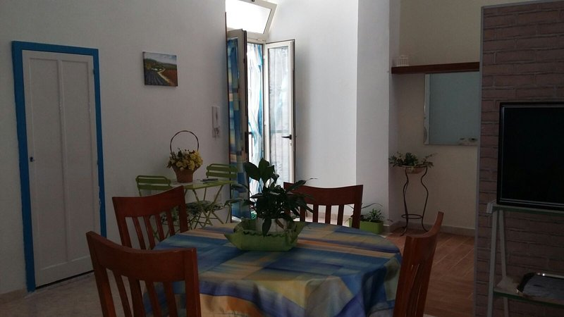 BED AND BREAKFAST INTERNO -B-, vacation rental in Ravanusa