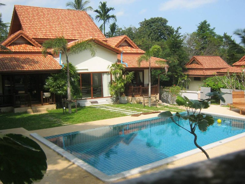 Baan Saowanee Orchard View Pool Villa, holiday rental in Mae Nam
