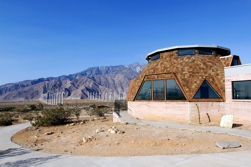 Large Retreat Surrounded by Windmills, holiday rental in Palm Springs