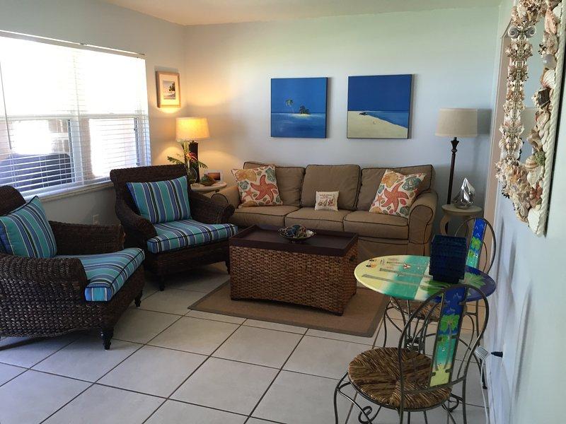 Wohnzimmer mit beachy Farben