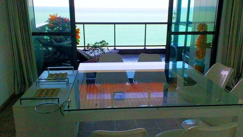 Master Suite Apartment Private_Balcony & Ocean view, holiday rental in Recife