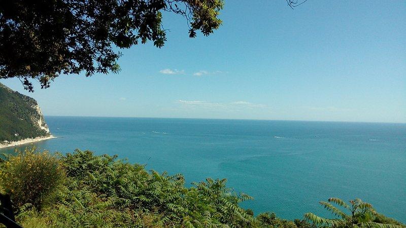 The sea of Sirolo
