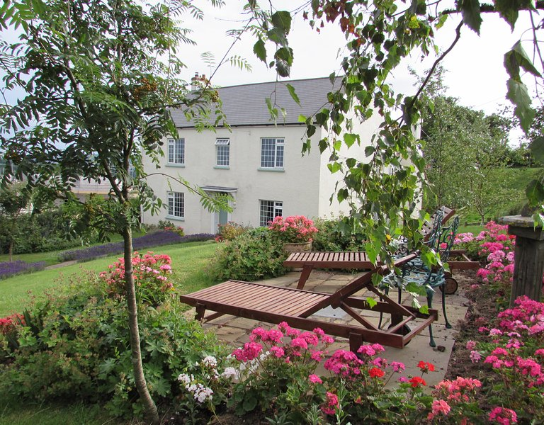 Period House in Idyllic Rural Devon Countryside, sleeps 10, holiday rental in Christow