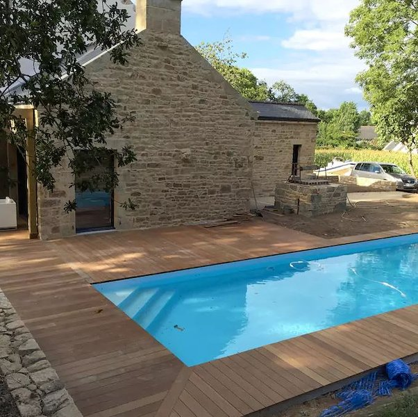 Ancien pressoir proche carnac golf piscine chauff, vacation rental in Ploemel