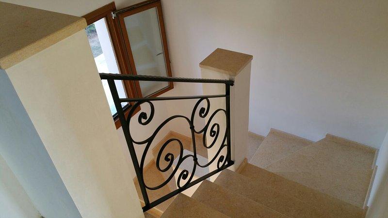 Escadas para o 1º andar