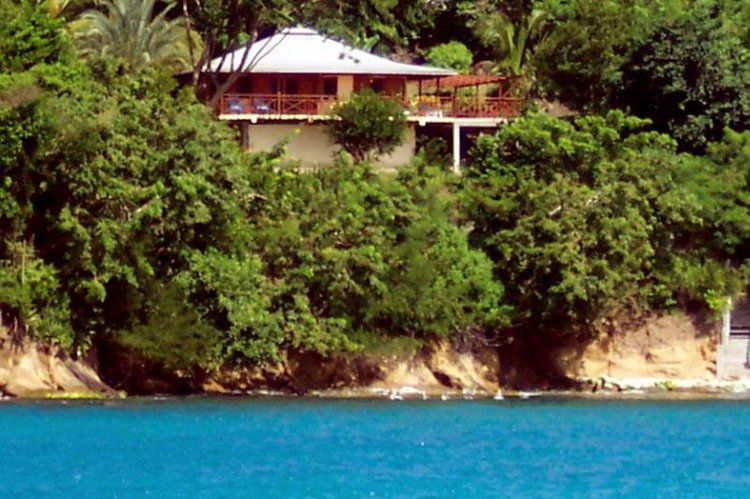 Yellow Bird Waterfront Cottage, Carriacou, alquiler de vacaciones en Hillsborough