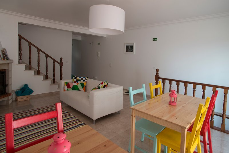 The Wave- Beach 'n' Surf Guesthouse, vacation rental in Ericeira