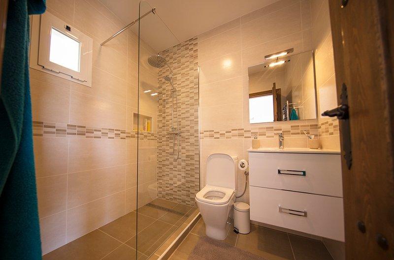 Cuarto de baño en la habitación doble