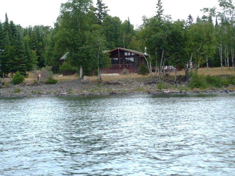 Vista de la casa de campo del lago Superior.