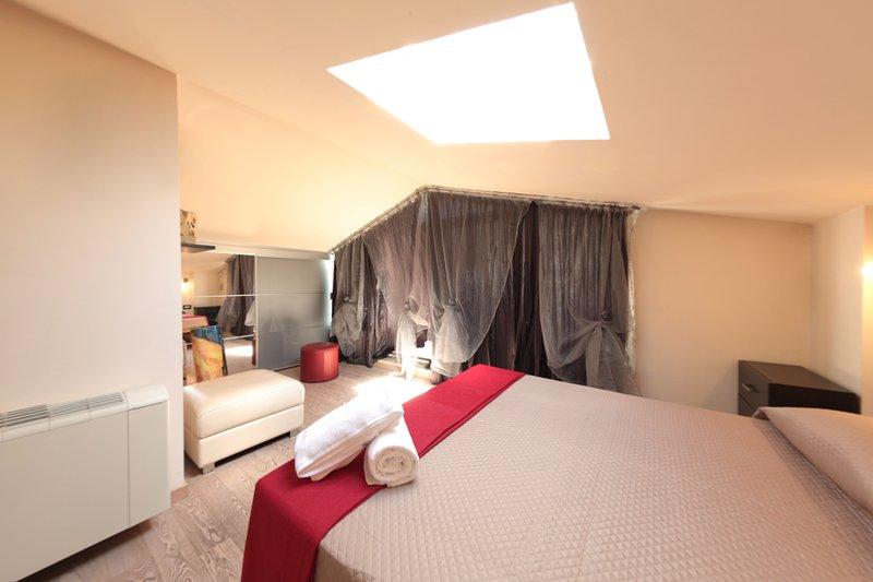 master bedroom with Velux with remote control garage door and roller shutter