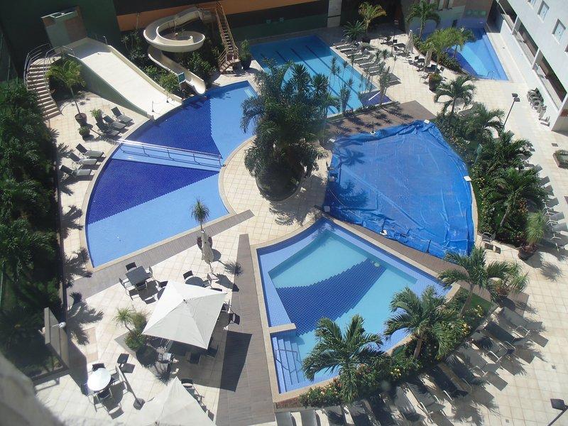 Lindo apto com serviço de hotel perto do Hot Park, location de vacances à État de Goiás