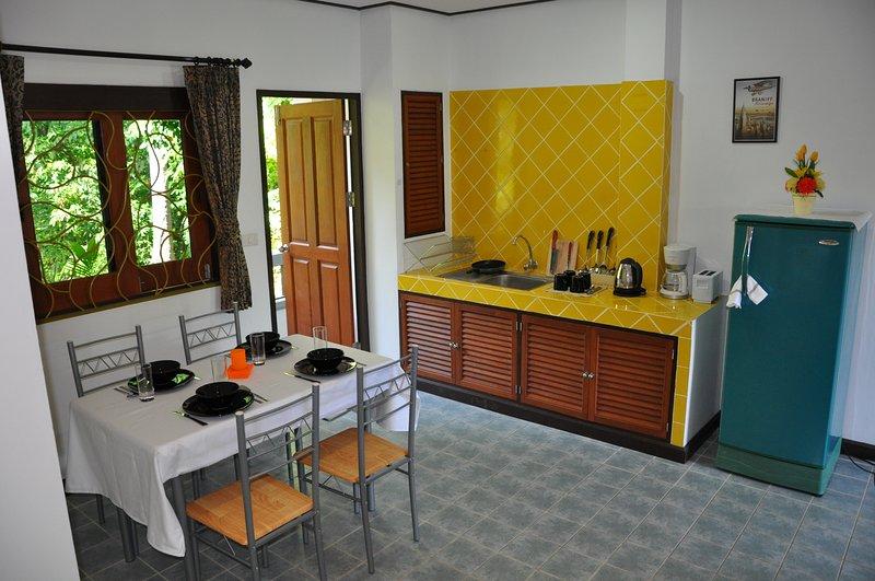 cocina, mesa de comedor