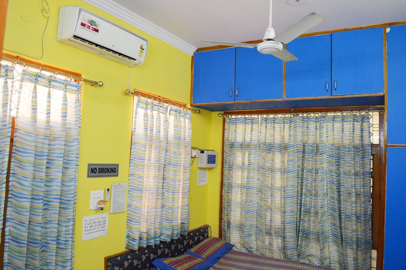 One BHK Serviced Apartment SA1 for rent in Lucknow, India with Modular Kitchen, aluguéis de temporada em Lucknow