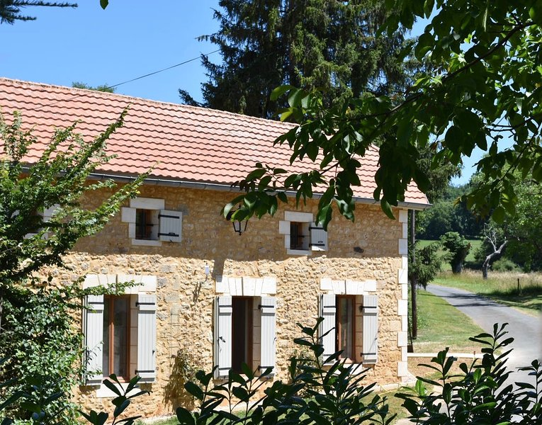 La Cote de Cor - Beautifully restored farmhouse 2 bedroom gite, holiday rental in Sainte Croix