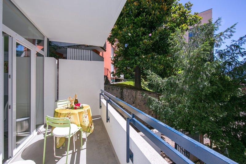Eigen balkon (1e verdieping)
