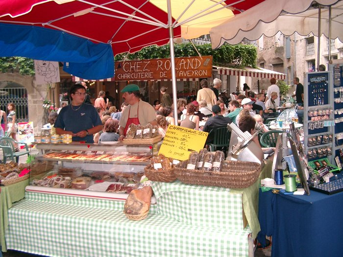 The outdoor market at nearby St. Antonin