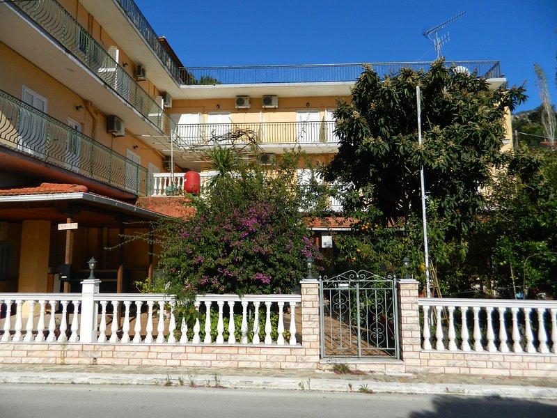 Logaras Apartments, aluguéis de temporada em Perachori