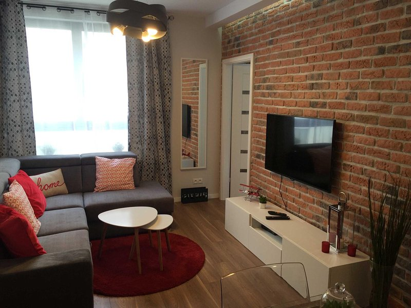Exclusive apartment for 4 on Wynalazek, casa vacanza a Piastow