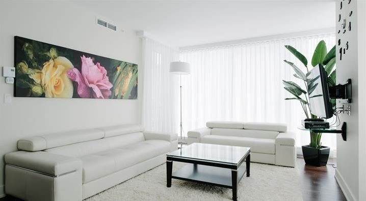 Luxury condo in the heart of Montreal Down town, vacation rental in Montreal