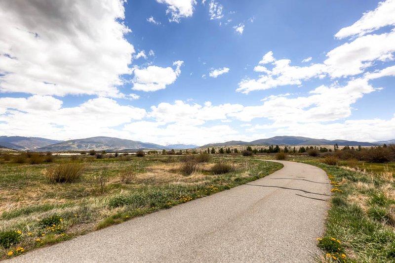 Camino De Tierra, Grava, Carretera