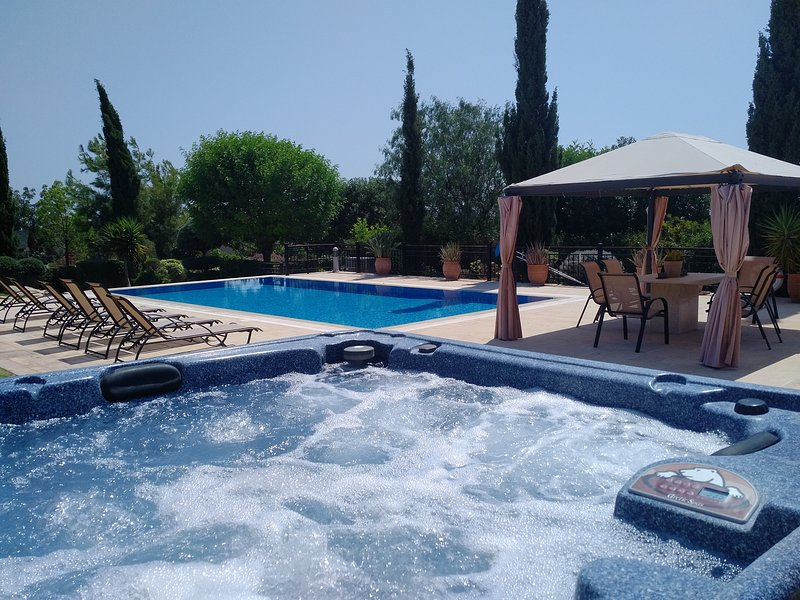 Villa UNIDERA - A true paradise for golfers in CYPRUS, alquiler vacacional en Kouklia