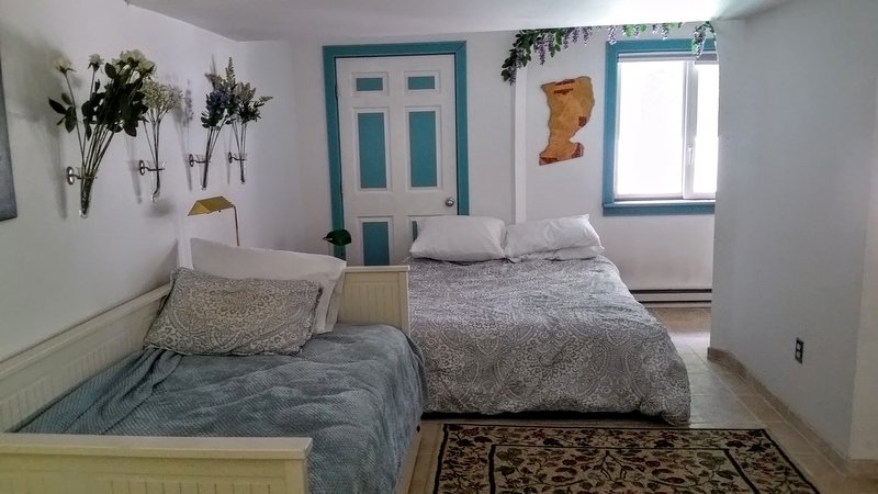 Spacious, comfortable, clean. Minutes from beach and small town center