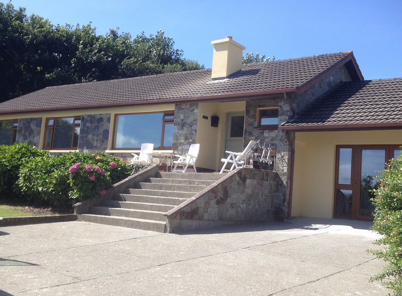 Rath, Caherdaniel, Ring of Kerry. Use of Kayak and mountain bikes., holiday rental in Eyeries