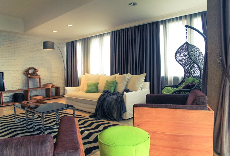 Tropic Penthouse Jakarta 4BR near Central Park, vacation rental in Tangerang
