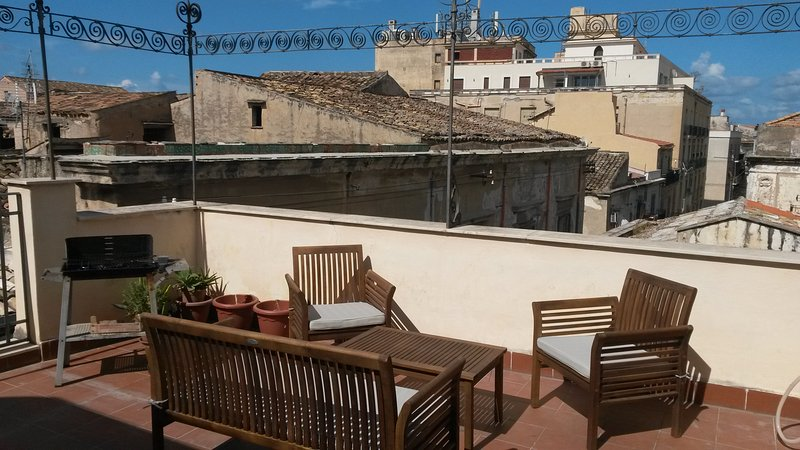 Top roof terrace in the historical city centre right behind Teatro Massimo