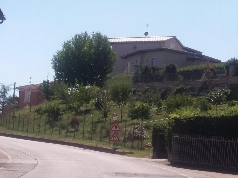 Villa E.S. in Piozzo, vakantiewoning in Farigliano