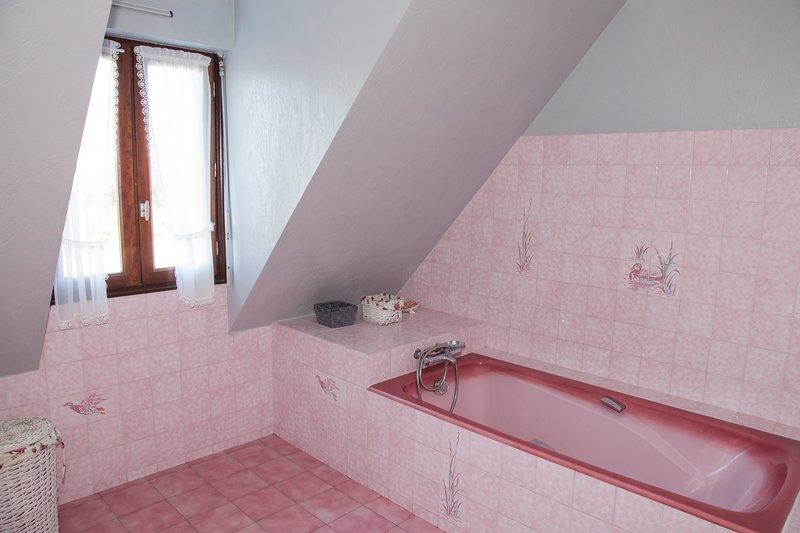 Badezimmer im Obergeschoss.