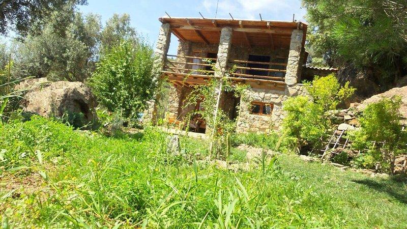 cortijo de piedra  en Lanjaron, holiday rental in Beznar