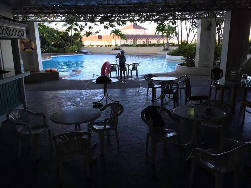 Awesome fully furnished - ready to move in 2br con, vacation rental in Lat Phrao