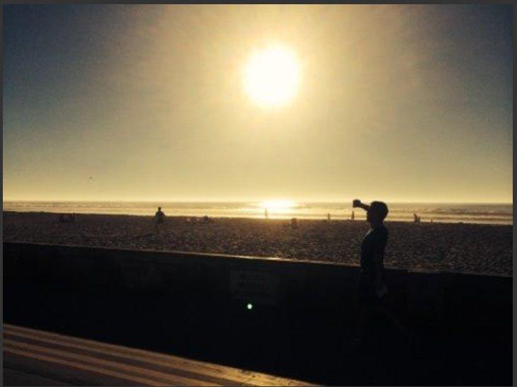 Cerca de Playa tiene paseo para andar en bicicleta, patinar, caminar, etc. Perros Ok en playa de noche.