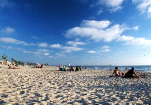 cálidas playas hermosas en frente de nuestro edificio