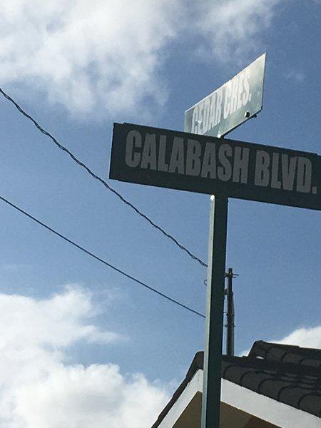 Nous sommes sur Calabash Blvd.