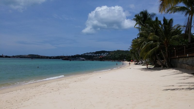 Bang Rak beach. Next to Bophut beach. Quiet beach with bars and restaurants. Boats to Koh Phangan.