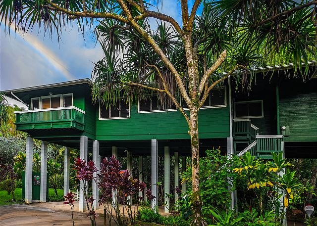 REDUCED RATE! Nestled Along a Stream & Tropical Surroundings., holiday rental in Hanalei