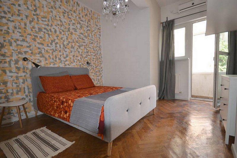 Bond Bucharest–New Central Apartment, holiday rental in Bucharest