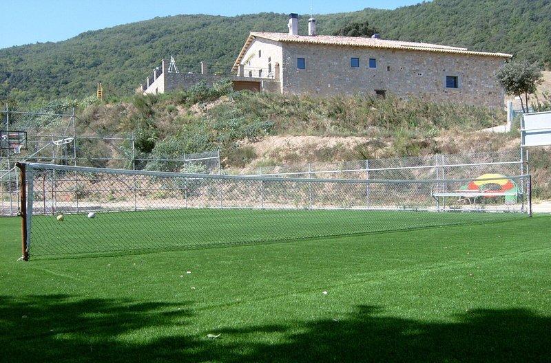 Casa aislada en las montañas de la Albera Mas Estepa, holiday rental in Terrades