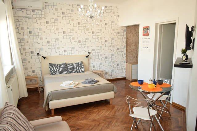 Brand New Romana Square, vacation rental in Bucharest